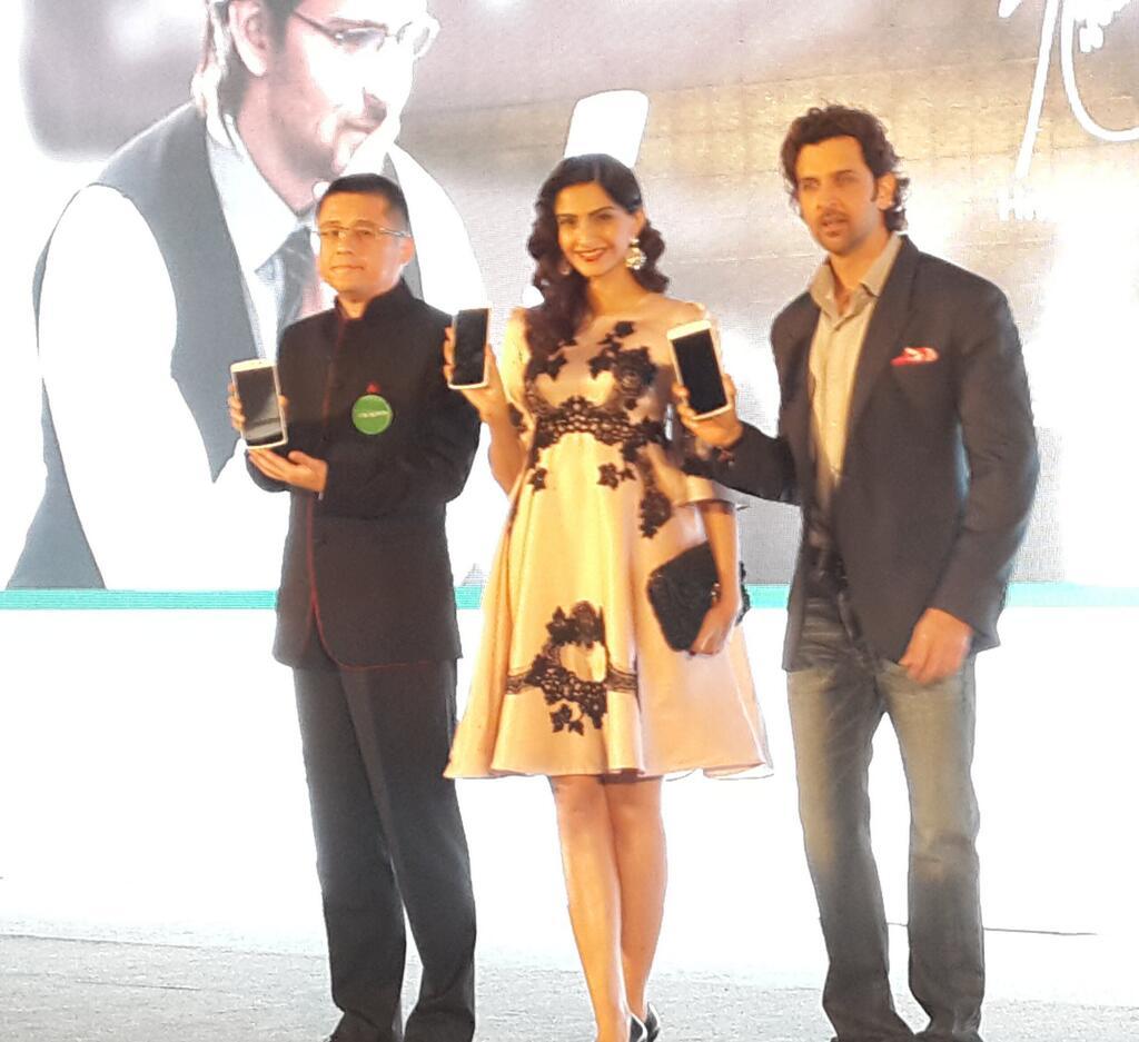 Oppo N1 launch Sonam Kapoor