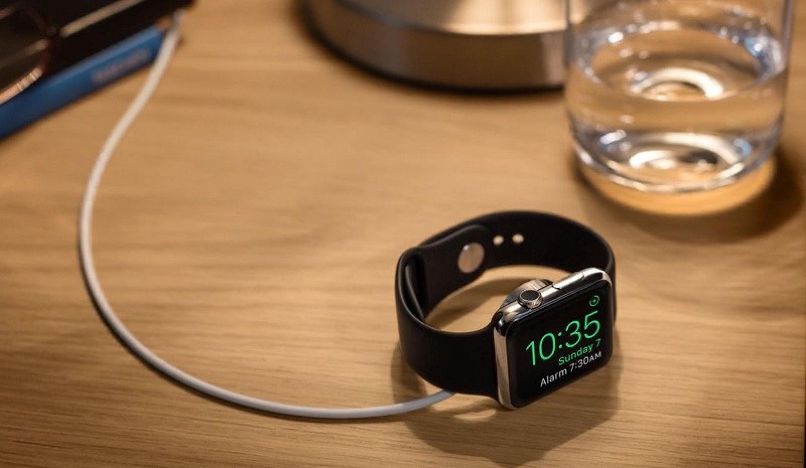 Apple NightStand Mode