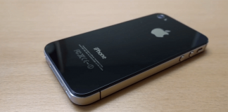 JetBlack iPhone 4S