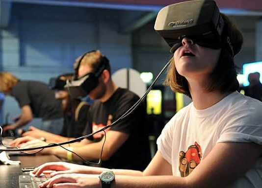 Pros and cons of VR Headsets